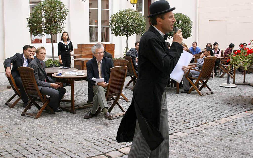 Murder party à Paris, Hercule Poirot annonce le crime