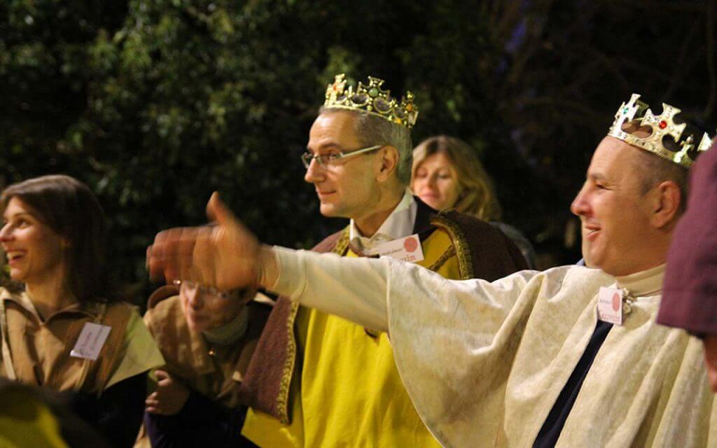 murder party entreprise moyenageuse à Carcassone, les rois plaident leur innocence