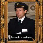 Animateur habillé en capitaine annonce le meurtre