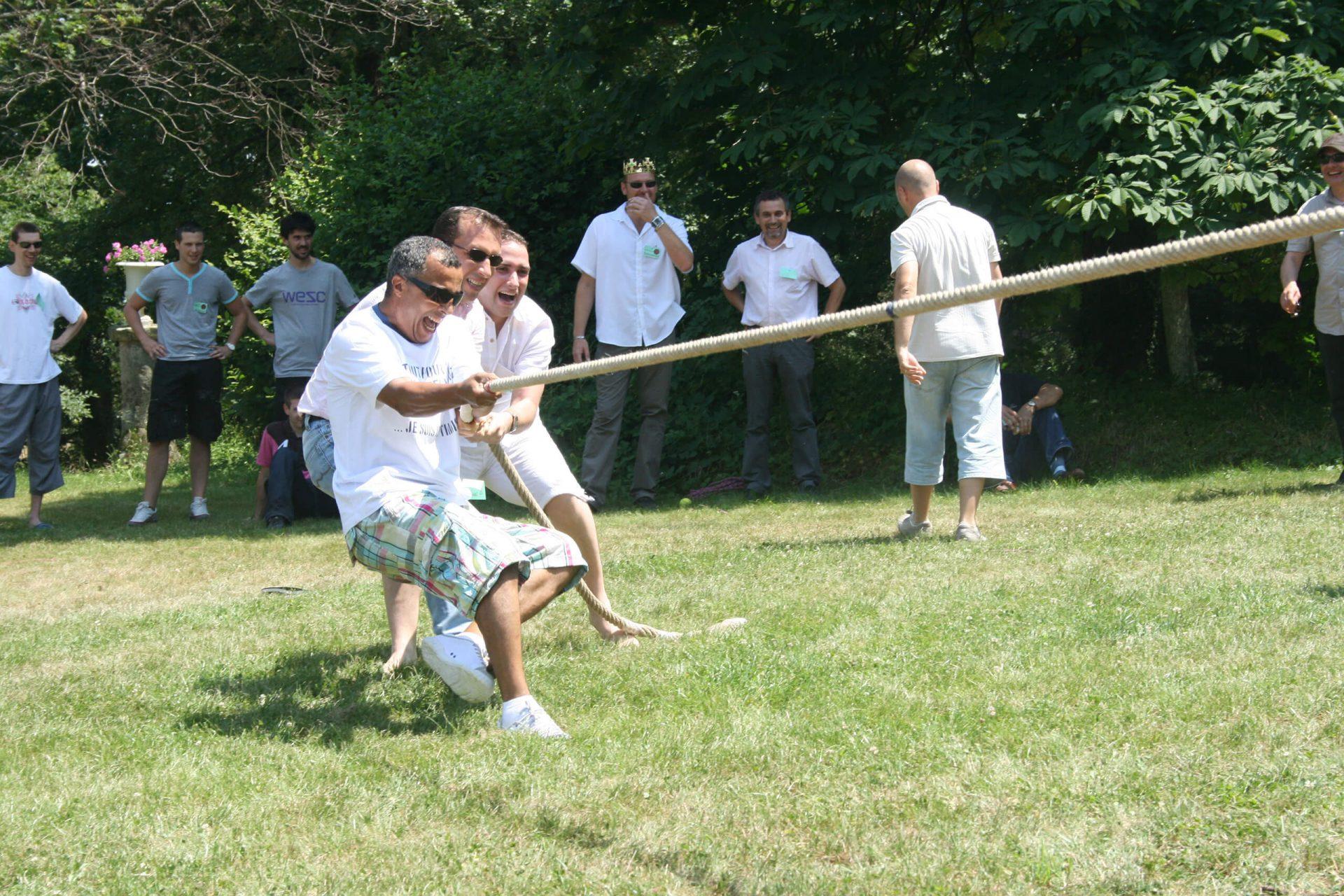 olympiades activité sportive tir à la corde
